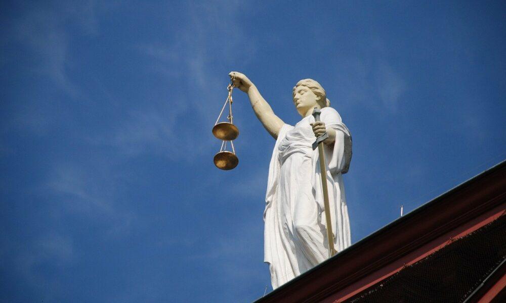 SEC 의장 Hester Pierce는 Bitcoin ETF에 대해 '이 사실에 직면해야'한다고 말했습니다.